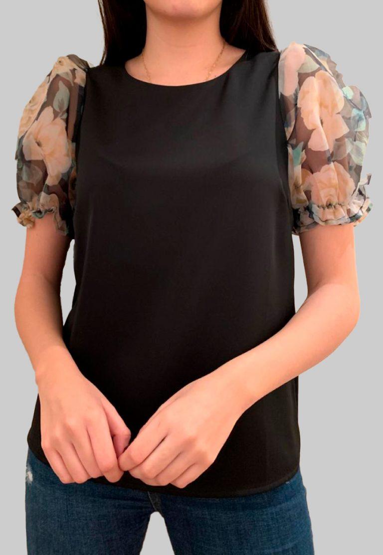 Blusa manga corta en negro con Manga Abullonada Estampado Floral